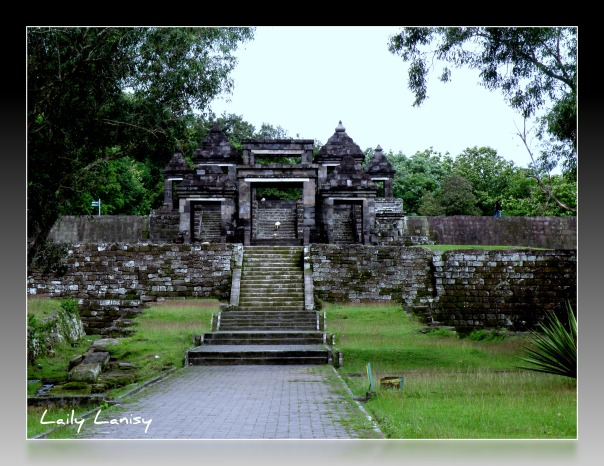 The main entrance to the Ratu Boko Compound